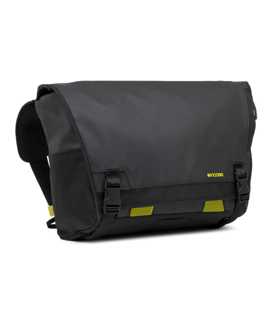 Incase Range Messenger Large Black | Tradeline Egypt Apple